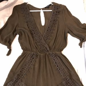 V-neck Romper with Sleeves